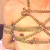 男の縛り方